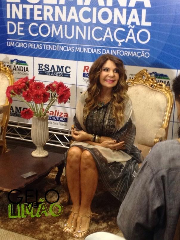 A cantora Elba Ramalho durante a coletiva de imprensa (Foto: Lorena Silva)