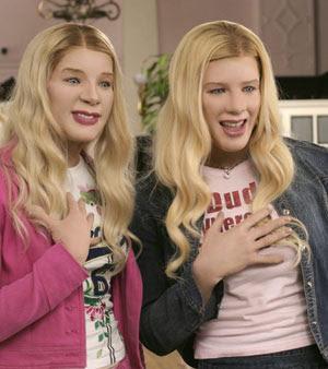 Duas loiras entram na casa do BBB
